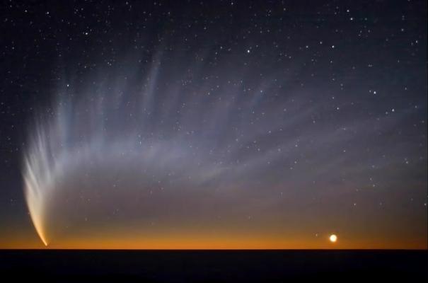 content_Comet_McNaught_at_Paranal