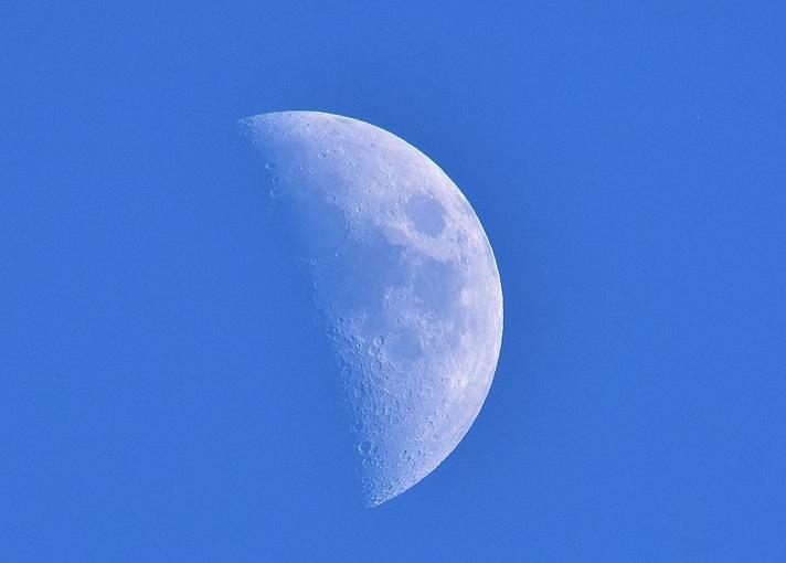 blue_moon_1522175973.jpg